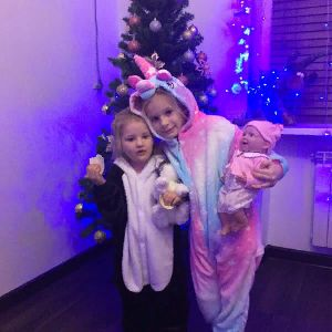 Соня и Амелия конфетки