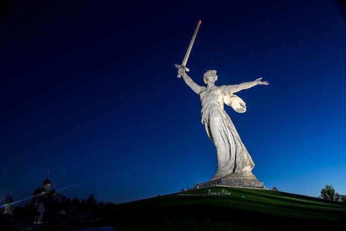 Мать родина зовет!Работа скульптора Е. В. Вучетича и инженера Н. В. Никитина